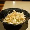 だい - 料理写真:白えびカリカリサラダ