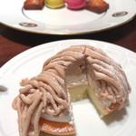 サロン・ド・テ・ベルナルド - アフタヌーンティーセットのケーキ