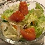 シロオビ - 野菜サラダ