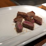 シロオビ - ロース肉の鉄板焼き