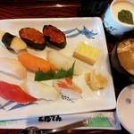 和食レストランとんでん - とんでん 1,180+税