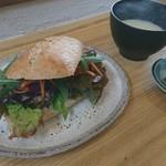 燦燦カフェ - サンドイッチ(自家製越し鶏レバーパテ)