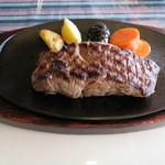 レストラン白鳥 - 黒毛和牛ヒレステーキ300g\6,400