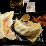 四川麺匠 炎 - 羽根つき焼き餃子