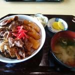 ビッキ石 - 牛焼肉丼(980円)