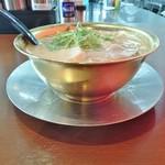 市松 - 料理写真:金のメタル丼