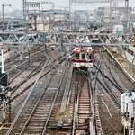 80835642 - 大和西大寺駅は以前『タモリ倶楽部』でも紹介された、鉄道好きタモさんイチオシの平面交差駅!すごくないですか?このウニョウニョした感じ!
