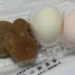 西岡菓子舗 - 料理写真:松山の食べるべきお菓子「醤油餅」と「つるの子」