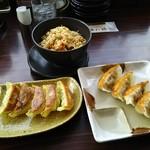 五味八珍 - イベリコ豚餃子、焼き餃子、半チャーハン