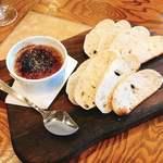 ピッツェリア エ オステリア タッカート - 赤城鶏のレバーペースト・ブリュレ仕立て