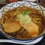 千葉房総 麺のマルタイ  - 料理写真:比内地鶏の煮干らぁめん680円