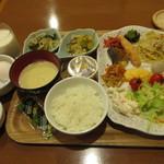 ホテル・アルファ-ワン - 料理写真:朝食バイキング