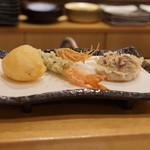 天ぷら やじま。 - やまいも、海老しそ巻き、しいたけ