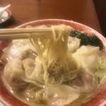 広州市場 - 広州雲呑麺  塩  麺リフト