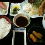 はなぶさ - アジフライ定食・作り付き1080円(税込)