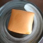 ankoya  - (2018年2月 訪問)ankoyaさんのどら焼きは、この四角いフォルムが特徴的♪