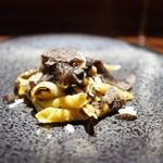 TACUBO - 黒トリュフ風味のガリガネッリ 深谷葱 牛蒡 ホロホロ鳥