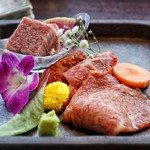 米沢牛焼肉 仔虎 - 料理写真:米沢牛ヒレ、内ヒレ、とも三角の3種盛り