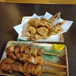 サウナしきじ - 料理写真:2018年2月 鶏皮揚げ+焼鳥 350+350円