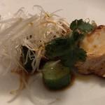 大傳月軒 - 蒸し鶏(辛味だれ)