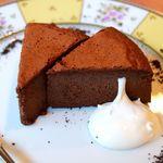 80860982 - 20171220珈琲専門店のこだわりチョコレートケーキ・アップ