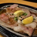 ロード・レーウ - 料理写真:レモンステーキ(国産)2580円