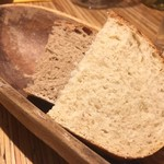 ペペロッソ - 自家製パン