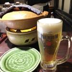 80869861 - 「生ビール(中ジョッキ)」(594円税込)