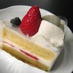 8087033 - ショートケーキ