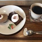 ポッカリ - 本日のケーキとコーヒー
