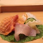 味あら井 - 赤貝、本みる貝、カンパチ、アオリイカ