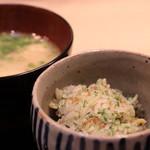 味あら井 - 筍、ジャコ、青海苔、渡り蟹の御飯&一粒牡蠣とクジラ出汁の味噌汁、香の物
