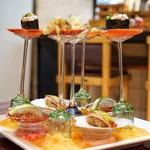 弘寿司 - 上段が鱈の白子、つぶ貝