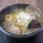 満足ヌードル ラーメンハウス - 塩ラーメン(450円)