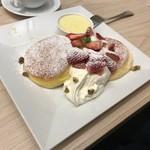 幸せのパンケーキ - 期間限定国産いちごのストロベリーチーズフォンデュパンケーキ