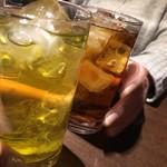 80889957 - 緑茶ハイとウーロンハイ。