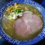 煮干らー麺シロクロ - 料理写真:煮干しらー麺(塩)750円