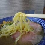 80890909 - 麺は塩と黒は中太ちぢれ麺デス
