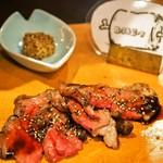 肉びすとろ グルマン 三年坂 - 名物料理お肉のかいだん(ローストビーフ)