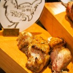 肉びすとろ グルマン 三年坂 - 名物料理お肉のかいだん(赤鶏)