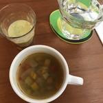 80894020 - スープとジュース