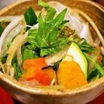 肉びすとろ グルマン 三年坂 - 赤うしローストビーフ丼(サラダ)