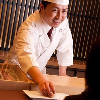 寿司の世界大会日本代表の店、本物の寿司に舌鼓
