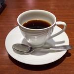 カフェエスタシオン博多 - セットコーヒーは、250円。こちらは何の変哲もないコーヒー。