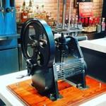 J.S. BURGERS CAFE - 何かの機械。