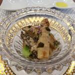 ビストロ ダイア - フランス産フレッシュモリーユとホワイトアスパラ、蒸しアワビのフリカッセ