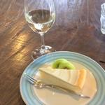 80903578 - 自家製チーズケーキセット850円