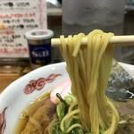 80904882 - 中太麺と表示される麺は、ロ麺ズと似た食感(^^)                       ただし、自家製麺ではなくて三河屋製麺の品