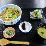玄海源蔵 - さざえ丼、850円です、そう言えば以前にも志賀島の食堂でさざえ丼食べた記憶がよみがえりました