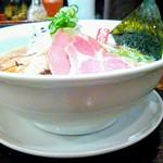 80916713 - 醤油背脂豚麺(正油背脂ちゃーしゅうめん)大盛